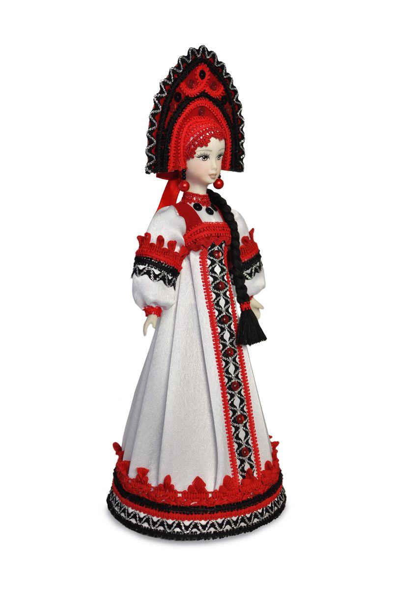 беллрусская народная кукла в национальном костюме
