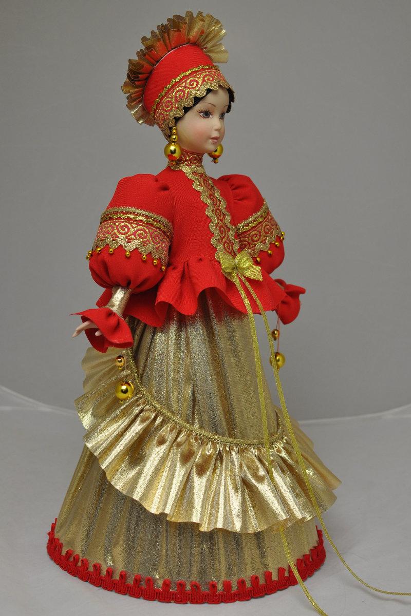 русская народная кукла в народном костюме