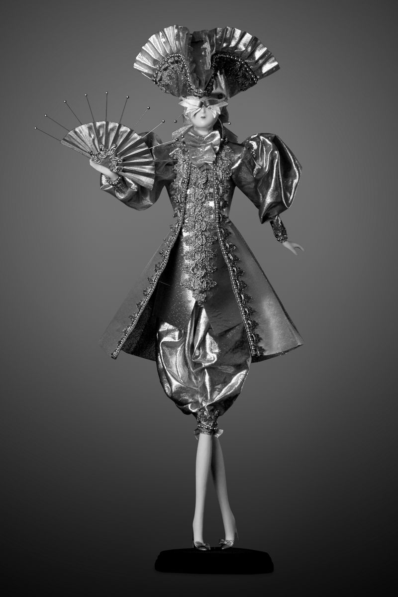 интерьерная кукла фарфоровая золотая коллекционная принц принцесса