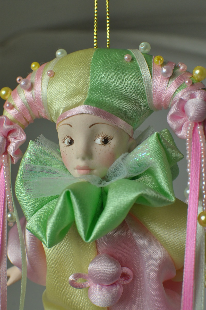 Фарфоровая кукла арлекин купить