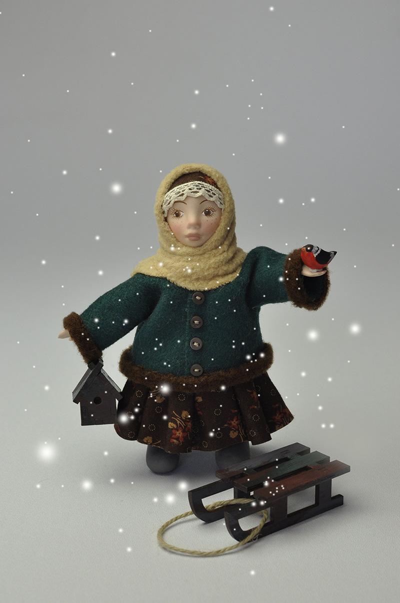 Кукла Лушка с санками
